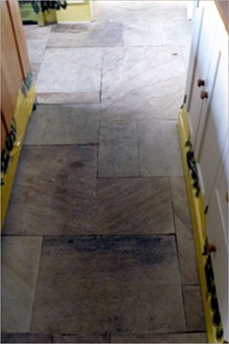 This image has an empty alt attribute; its file name is natural_stone_cleaning_01.jpg
