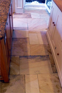 This image has an empty alt attribute; its file name is natural_stone_cleaning_02.jpg